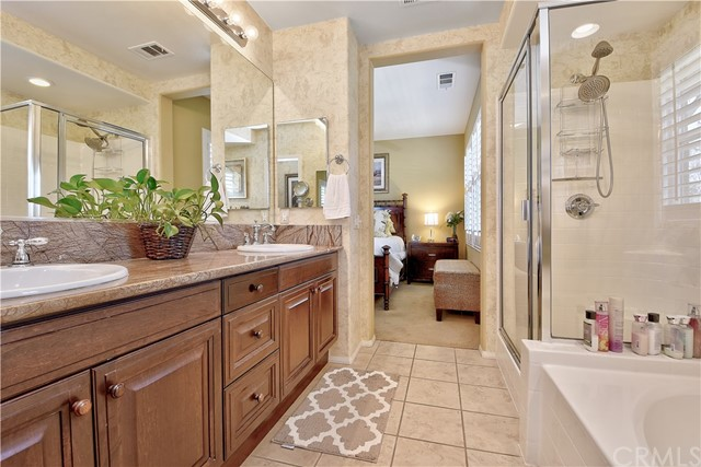 17 Clifton Drive, Ladera Ranch CA: http://media.crmls.org/medias/8cc7b1f1-a703-4109-81d1-90932a3a31c8.jpg