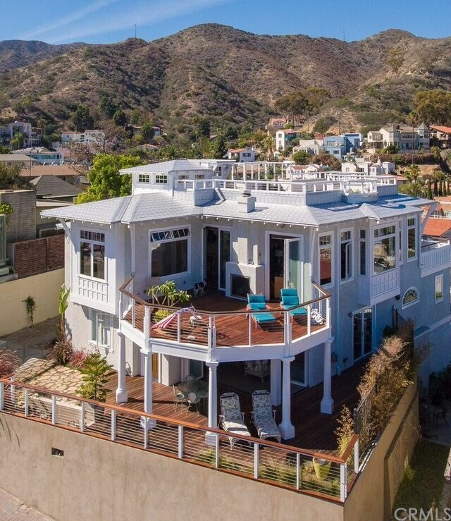 Single Family for Sale at 257 Whittley Avenue E Avalon, California 90704 United States