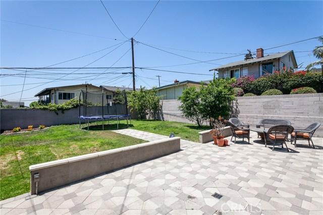 2077 Raymond Avenue, Signal Hill CA: http://media.crmls.org/medias/8ccfaa9b-8d87-4237-9a7f-35bc6094efc2.jpg