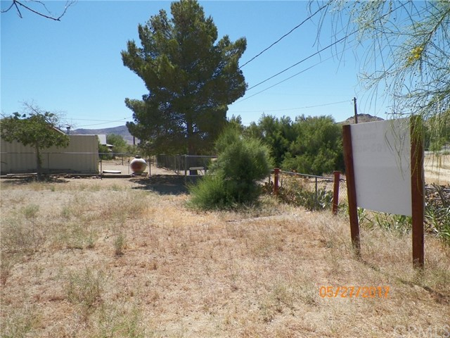 Additional photo for property listing at 27721 Goler Avenue Johannesburg, California United States