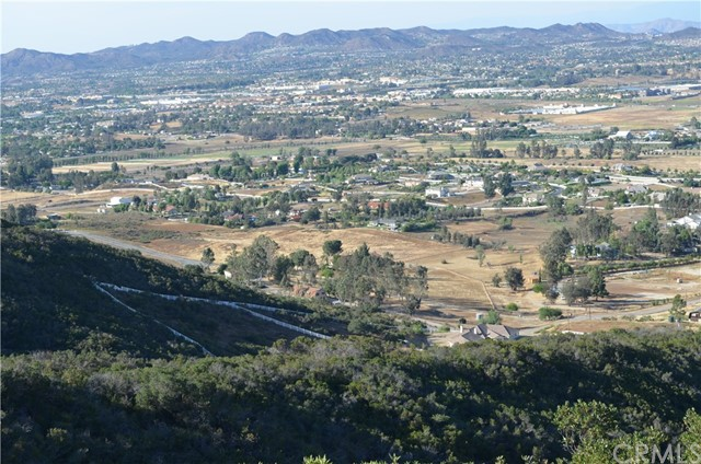 Temecula, CA  Bedroom Home For Sale