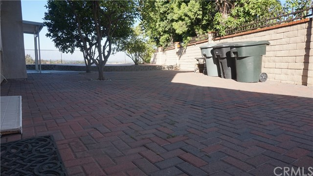 13745 Moonshadow Place, Chino Hills CA: http://media.crmls.org/medias/8ce40810-ba92-4572-a339-310be0ad27c8.jpg