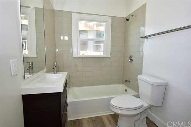 1045 Ocean Ave, Santa Monica, CA 90403 photo 47