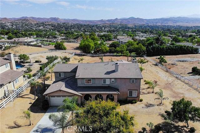 17197 Birch Hill Road, Riverside CA: http://media.crmls.org/medias/8d180199-8782-469b-86e6-25f734d30d80.jpg