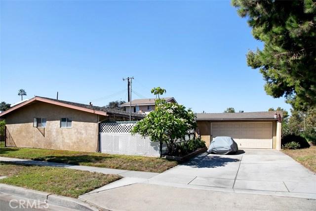 918 S Elliott Place, Santa Ana CA: http://media.crmls.org/medias/8d31bc04-92f8-45d4-a649-94493c1ca2b7.jpg