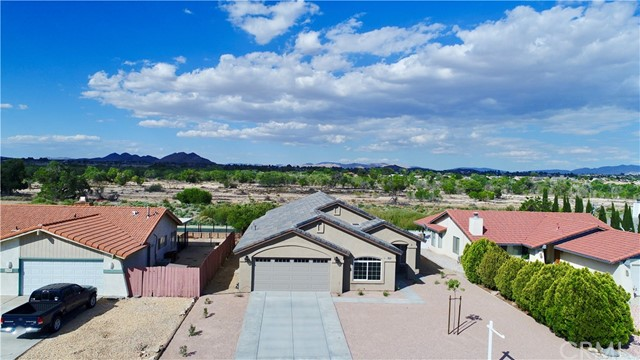 13901 Driftwood Drive, Victorville CA: http://media.crmls.org/medias/8d3473e7-1e6e-44ee-84ea-b0fc58f84f6e.jpg