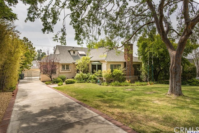 Single Family Home for Sale at 1552 Irving Avenue Glendale, California 91201 United States