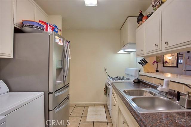 2077 Wallace Avenue, Costa Mesa CA: http://media.crmls.org/medias/8d43b47e-37d7-43fc-a195-4bdb934be2f5.jpg