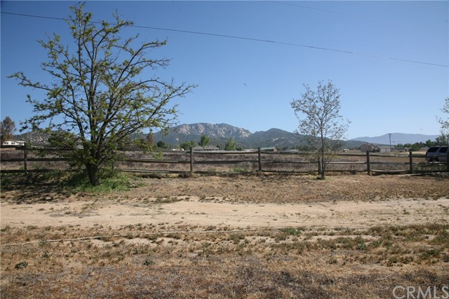 40725 Brook Trails Way, Aguanga CA: http://media.crmls.org/medias/8d4cf1a3-18fb-4809-a543-a4530e6c4024.jpg