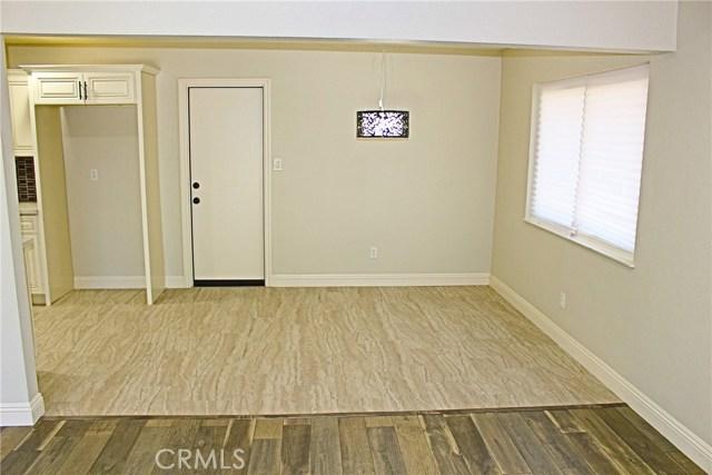 369 E Old Mill Road, Corona CA: http://media.crmls.org/medias/8d515d3d-1a9d-442b-9908-63411361b4ec.jpg