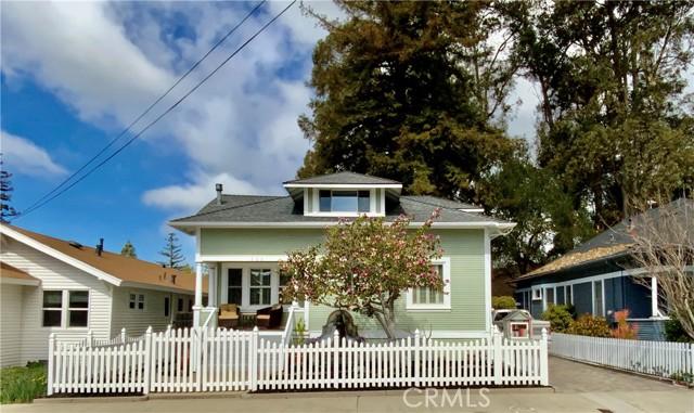 1208 Pismo Street, San Luis Obispo CA: http://media.crmls.org/medias/8d5534d1-e402-44bc-9f5f-1b8fe4717f54.jpg