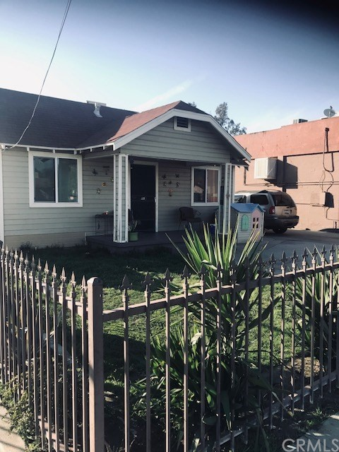 328 ARROWHEAD Avenue San Bernardino CA 92408