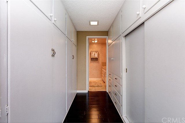 4319 Saint Mark Avenue, La Verne CA: http://media.crmls.org/medias/8d6ff80a-6b55-4779-9767-7e253b72eaf4.jpg