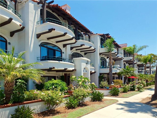 Condominium for Sale at 4257 E Ocean Blvd 4257 E Ocean Blvd Long Beach, California 90803 United States