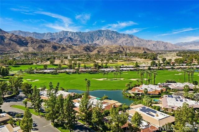 4 Exeter Court, Rancho Mirage CA: http://media.crmls.org/medias/8d76a6b8-611a-4fc8-b26a-ca7dd7e002bd.jpg