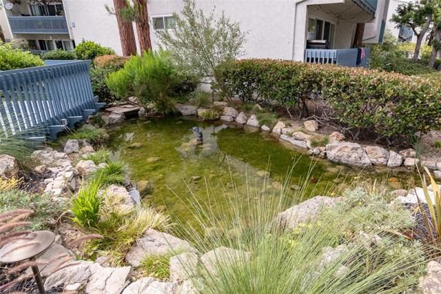902 Camino Real, Redondo Beach CA: http://media.crmls.org/medias/8d7a7db6-d69c-4fc4-893d-6e217871b642.jpg