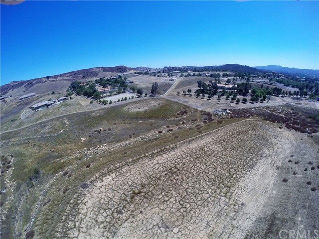 39815 Vineyard View, Murrieta CA: http://media.crmls.org/medias/8d893bdc-d4e4-4d00-856c-070ec1ce7101.jpg