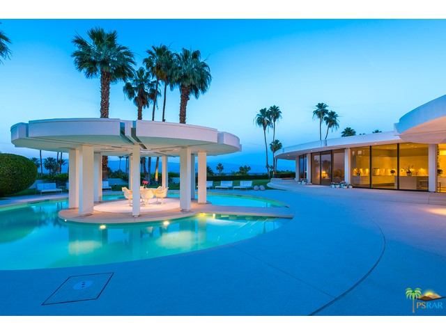 Photo of home for sale at 41915 TONOPAH Road, Rancho Mirage CA