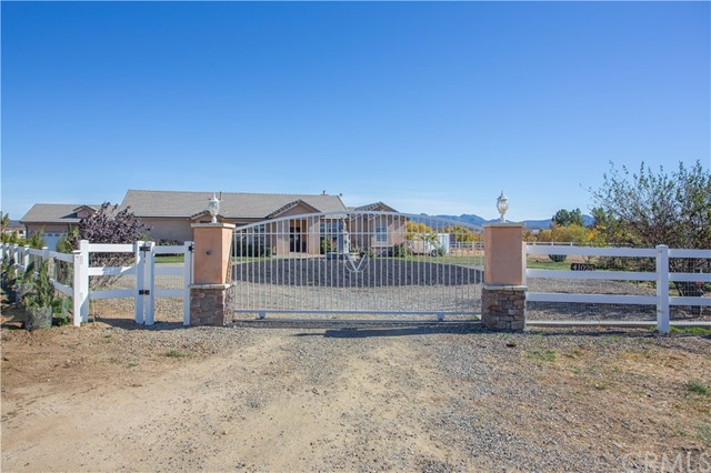 Single Family Home for Sale at 41025 Preakness Court S Aguanga, California 92536 United States