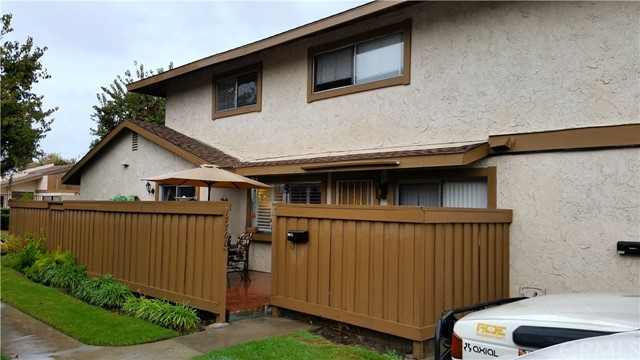 Townhouse for Sale at 17760 Palo Verde Avenue Unit 27 17760 Palo Verde Avenue Cerritos, California 90703 United States