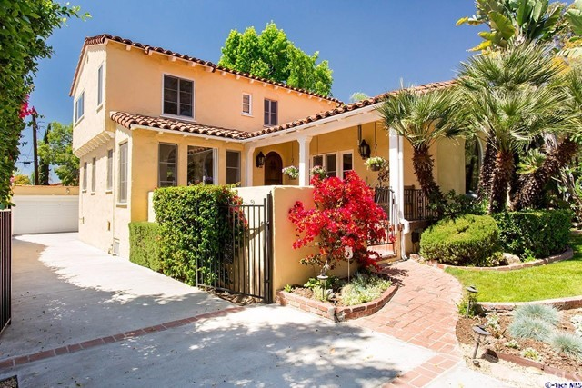 Single Family Home for Sale at 1237 Cedar Street N Glendale, California 91207 United States