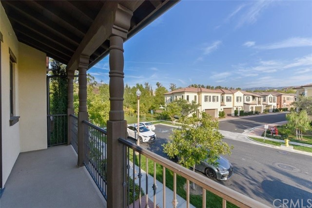 173 Working Ranch, Irvine CA: http://media.crmls.org/medias/8db67150-5500-494c-8884-4c05b8914635.jpg