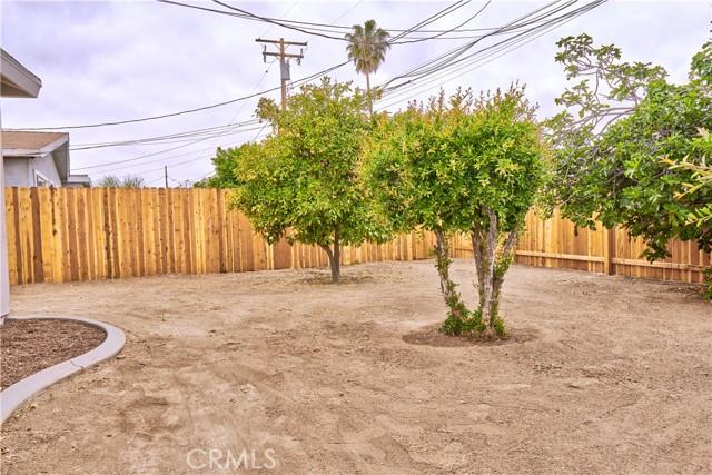 942 Front Street, Perris CA: http://media.crmls.org/medias/8db79029-afb3-4327-9e0c-f9b60ad14681.jpg