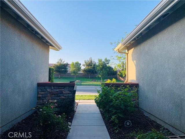 53011 Rose Sachet Lane, Lake Elsinore CA: http://media.crmls.org/medias/8dbb4def-91bc-4412-8755-97f0450a9888.jpg