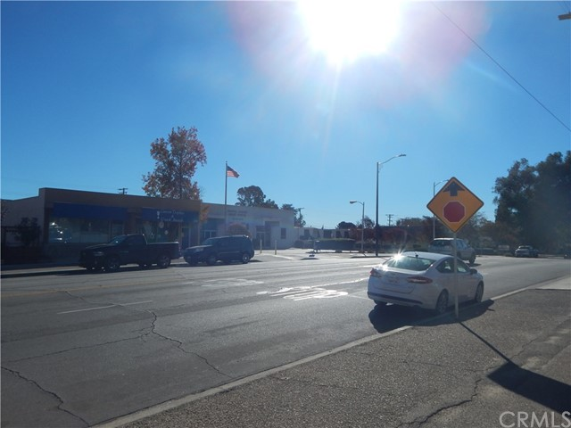 975 Beaumont Avenue, Beaumont CA: http://media.crmls.org/medias/8dc363ed-d890-42f8-a7ce-54f9da9c68e9.jpg