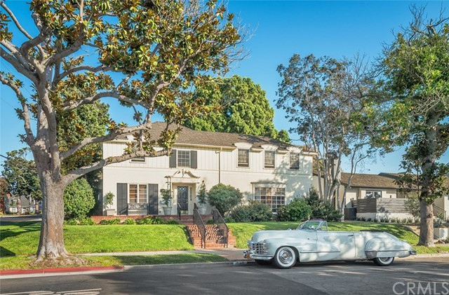540 Los Altos Avenue