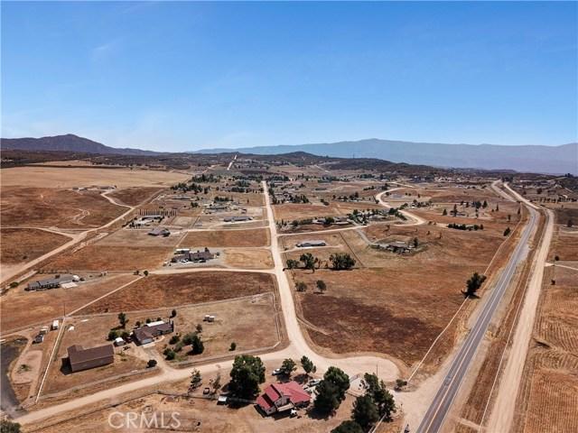 448 Comanche, Aguanga CA: http://media.crmls.org/medias/8dd0ebeb-4402-4d54-85d0-41d0ef90291d.jpg