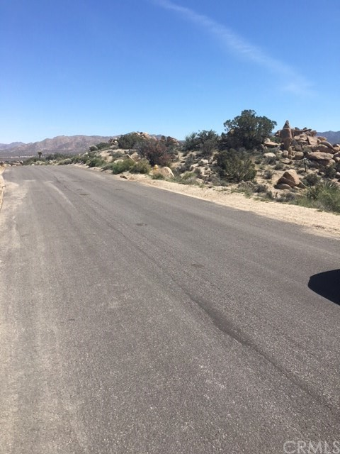 0 Panchita, Yucca Valley CA: http://media.crmls.org/medias/8dd7066d-2442-40e1-8593-d04542ae684a.jpg