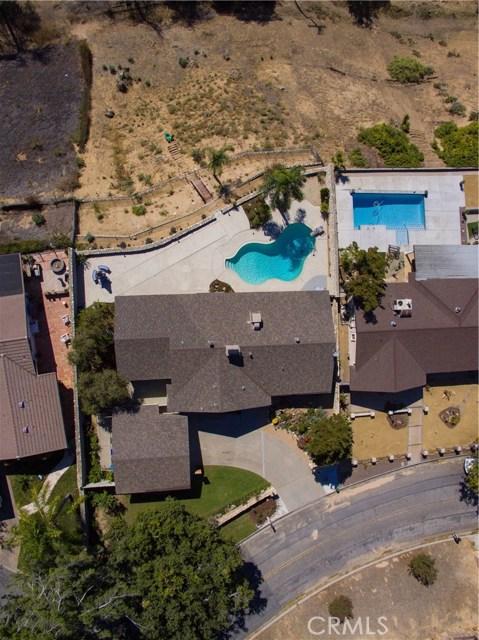 2351 Willow Drive, San Bernardino CA: http://media.crmls.org/medias/8de36a28-3210-49ec-85f5-22a0e68ef1e7.jpg