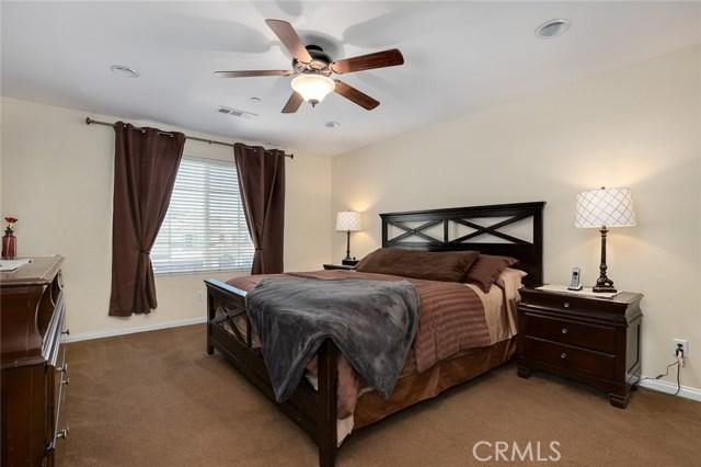 6820 N Melvin Avenue, San Bernardino CA: http://media.crmls.org/medias/8dea83c0-be9b-410d-bdd9-1af7bca038d3.jpg