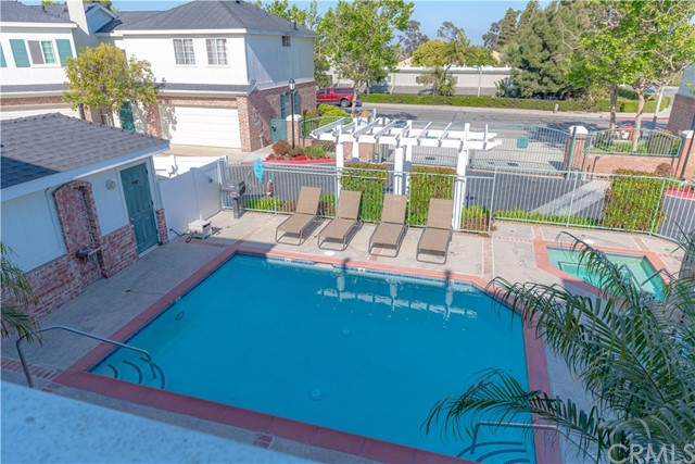 18765 Chapel Lane, Huntington Beach CA: http://media.crmls.org/medias/8e002509-ffa2-445d-8187-ab48e89db218.jpg