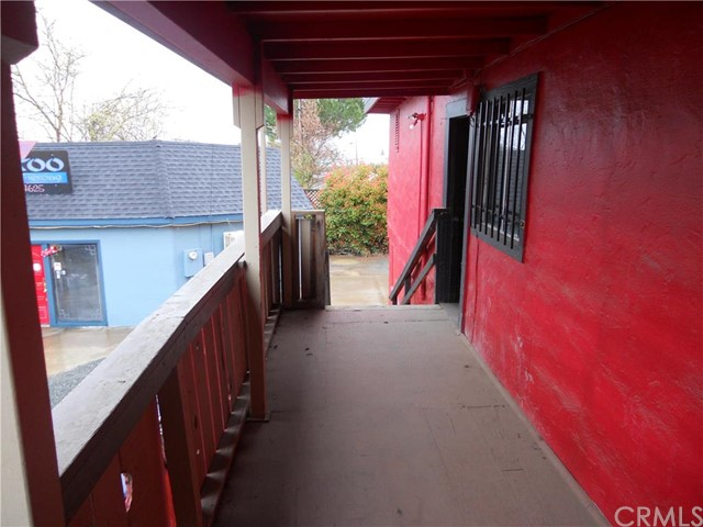 Additional photo for property listing at 650 Main Street S  Lakeport, California 95453 United States