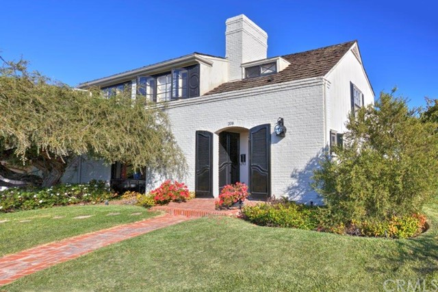 Single Family Home for Sale at 208 Evening Canyon St Corona Del Mar, California 92625 United States