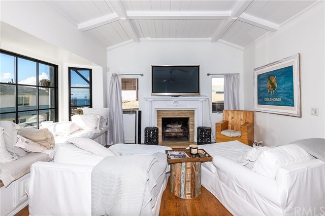 231 27th Hermosa Beach CA 90254