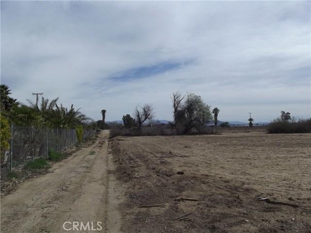 2 Wickerd Road, Menifee CA: http://media.crmls.org/medias/8e17b40b-7b80-4530-b30a-8f5cde3fcc00.jpg