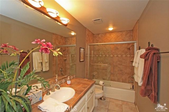 140 Avenida Las Palmas, Rancho Mirage CA: http://media.crmls.org/medias/8e27b593-9486-4f89-a889-bae09a3eee12.jpg