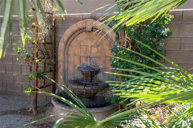 81302 Stone Crop Lane, La Quinta CA: http://media.crmls.org/medias/8e2c3f1e-9a40-4ee3-b803-4332e667a347.jpg