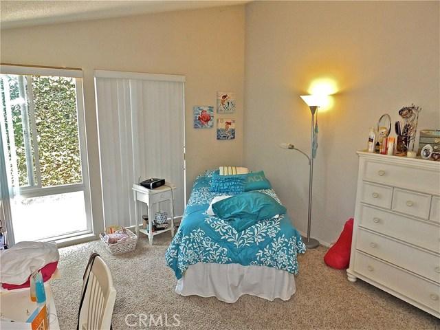 12661 Martha Ann Drive, Rossmoor CA: http://media.crmls.org/medias/8e31d77b-bf64-4a9d-9d0f-d57244400f34.jpg