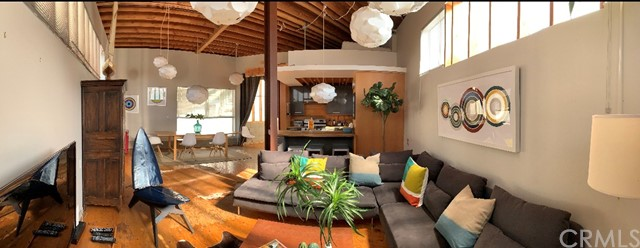 12818 Zanja Street, Los Angeles CA: http://media.crmls.org/medias/8e3fe4ee-5fc6-4017-9f9a-23df56e51b87.jpg