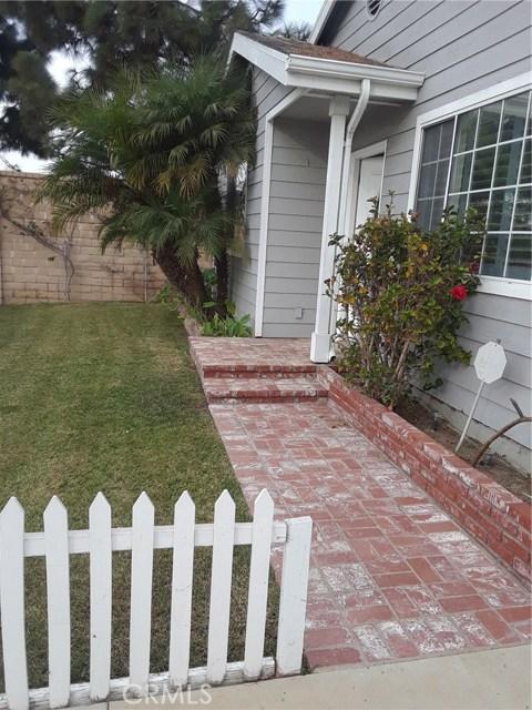 2136 RALEIGH Avenue, Costa Mesa CA: http://media.crmls.org/medias/8e40d0a5-cdb5-4d78-9b3c-0041a67789fc.jpg