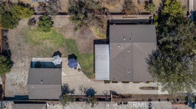 233 S Louise Avenue, Azusa CA: http://media.crmls.org/medias/8e413957-3a25-4e7d-93f8-0b2bae9ed83b.jpg