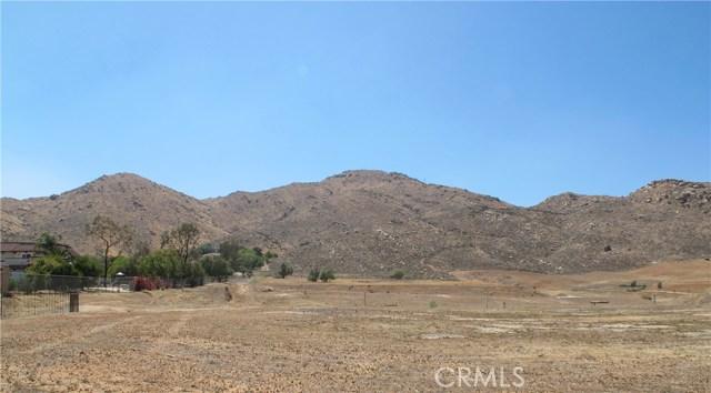 11275 Eagle Rock Road, Moreno Valley CA: http://media.crmls.org/medias/8e439832-413d-439c-9ad9-4fa371562c8e.jpg