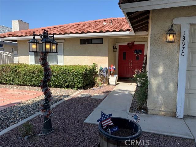 13970 Hidden Valley Road, Victorville CA: http://media.crmls.org/medias/8e45504a-7ac9-4546-bdfc-f2e701f141c5.jpg