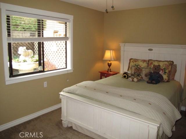 422 Fairview Lane, Paso Robles CA: http://media.crmls.org/medias/8e4b8e04-9281-48bc-b7ea-87f02dd54457.jpg