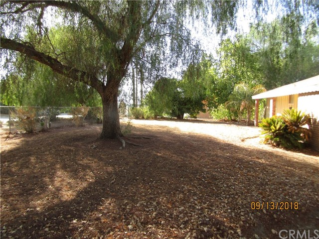 30970 9th Street, Nuevo/Lakeview CA: http://media.crmls.org/medias/8e697fa2-4741-4d2b-a5a1-03bf61beb44c.jpg