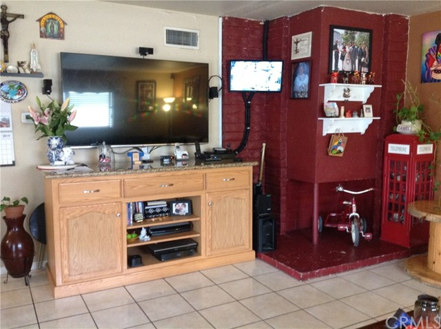 2136 S Mountain View Av, Anaheim, CA 92802 Photo 6